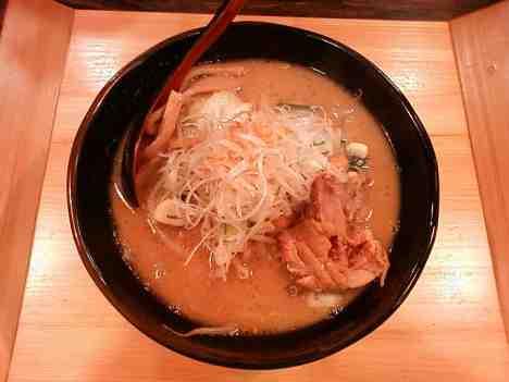 麺処 花田の味噌ラーメンの口コミ 各線「池袋駅」東口から徒歩6分ほど