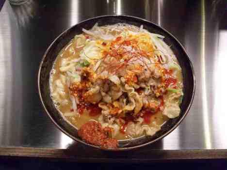 麺創研かなで 紅 -KURENAI-の紅らーめんの口コミ 京王線「府中駅」から徒歩3分