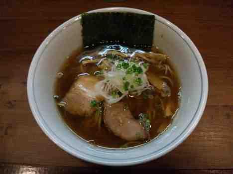 麺処 びぎ屋の醤油らーめんの口コミ 東急東横線「学芸大学駅」から徒歩5分ほど