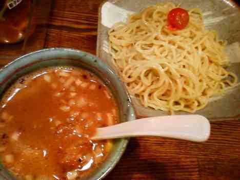 麺屋 やっとこのつけめんの口コミ 「中野坂上駅」から徒歩3分。