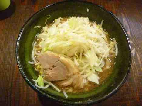麺や豚髭のラーメンの口コミ JR京浜東北線「蕨駅」から徒歩25分