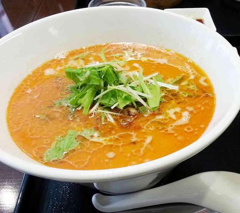 龍香(ロンシャン)の担々麺の口コミ 春日部駅西口 徒歩5分