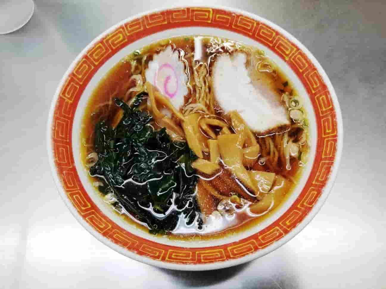 西新井ラーメン(西新井駅ホームの立ち食いラーメン店)